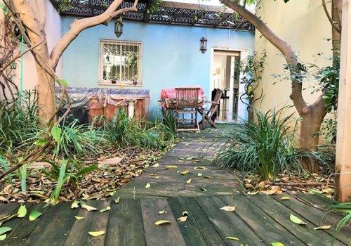 דירת גן כפרית במתחם פרטי בפשפשים.
