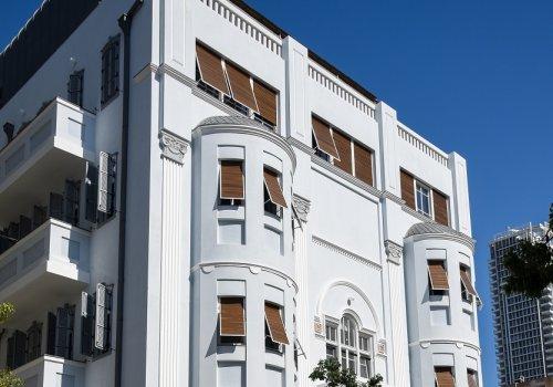 להשכרה דירות בבניין אקלקטי מרהיב ביופיו .